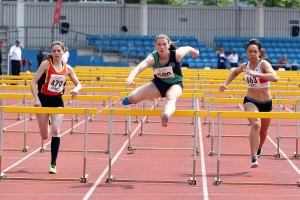 Zoe Luca (470) Chelsea Scott (500) and Maria Hollingsworth (463) in under 20s 110m hurdles