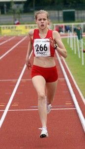 Tilly Simpson of Hallamshire on route to a CBP in the under 15s girls 800m
