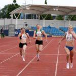 Louise Bloor takes 200m crown