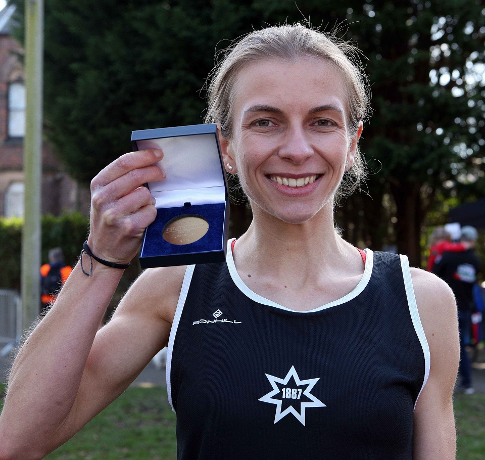 Photo gallery from NA Road relays and under 17s 5k championships
