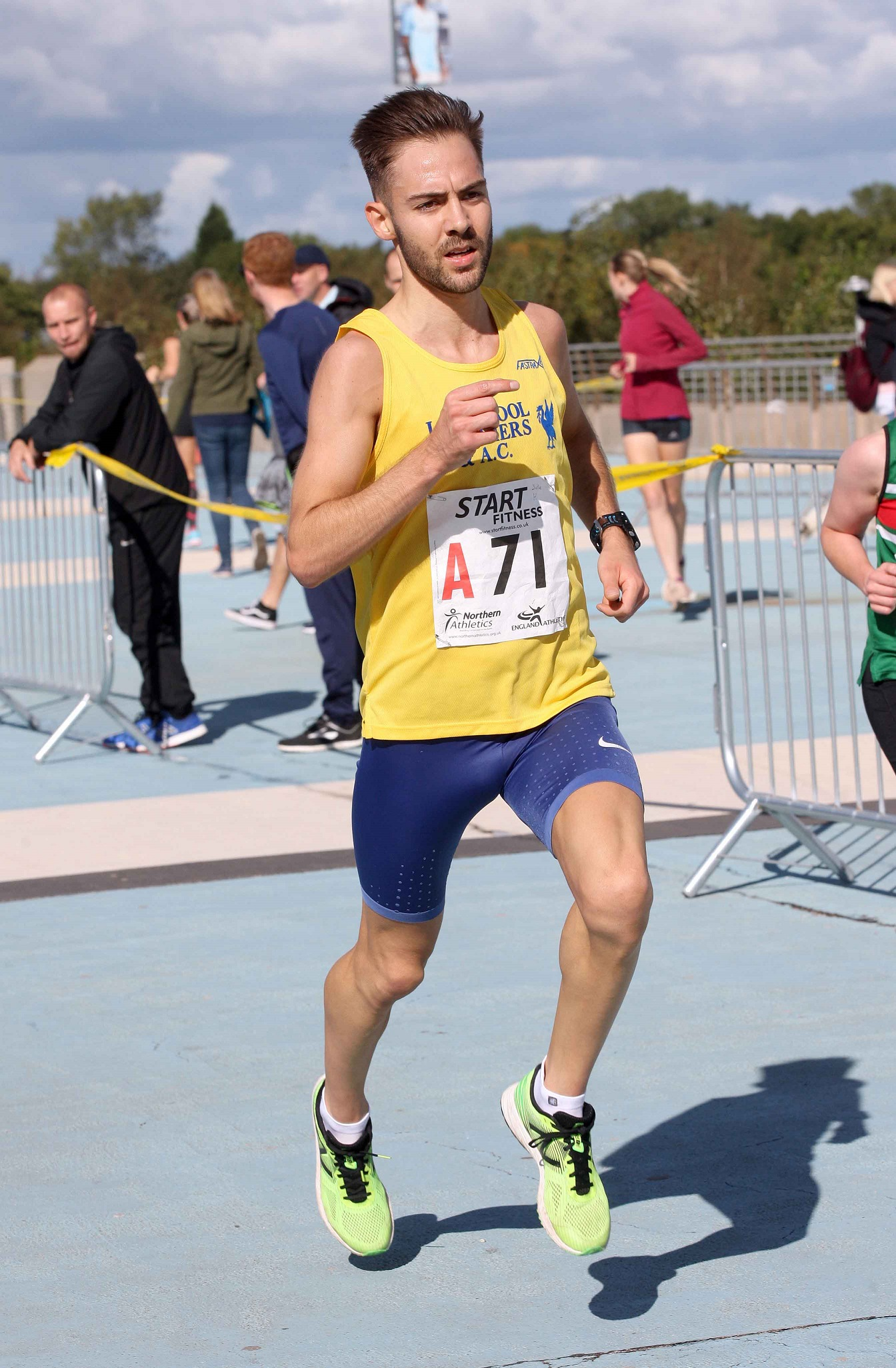 Fast leg of the day, Charlie Hulson (Liverpool Harriers) leads the mens Northern 6 Stage Road Relay, SportsCity, Manchester. Photo: David T. Hewitson/Sports for All Pics